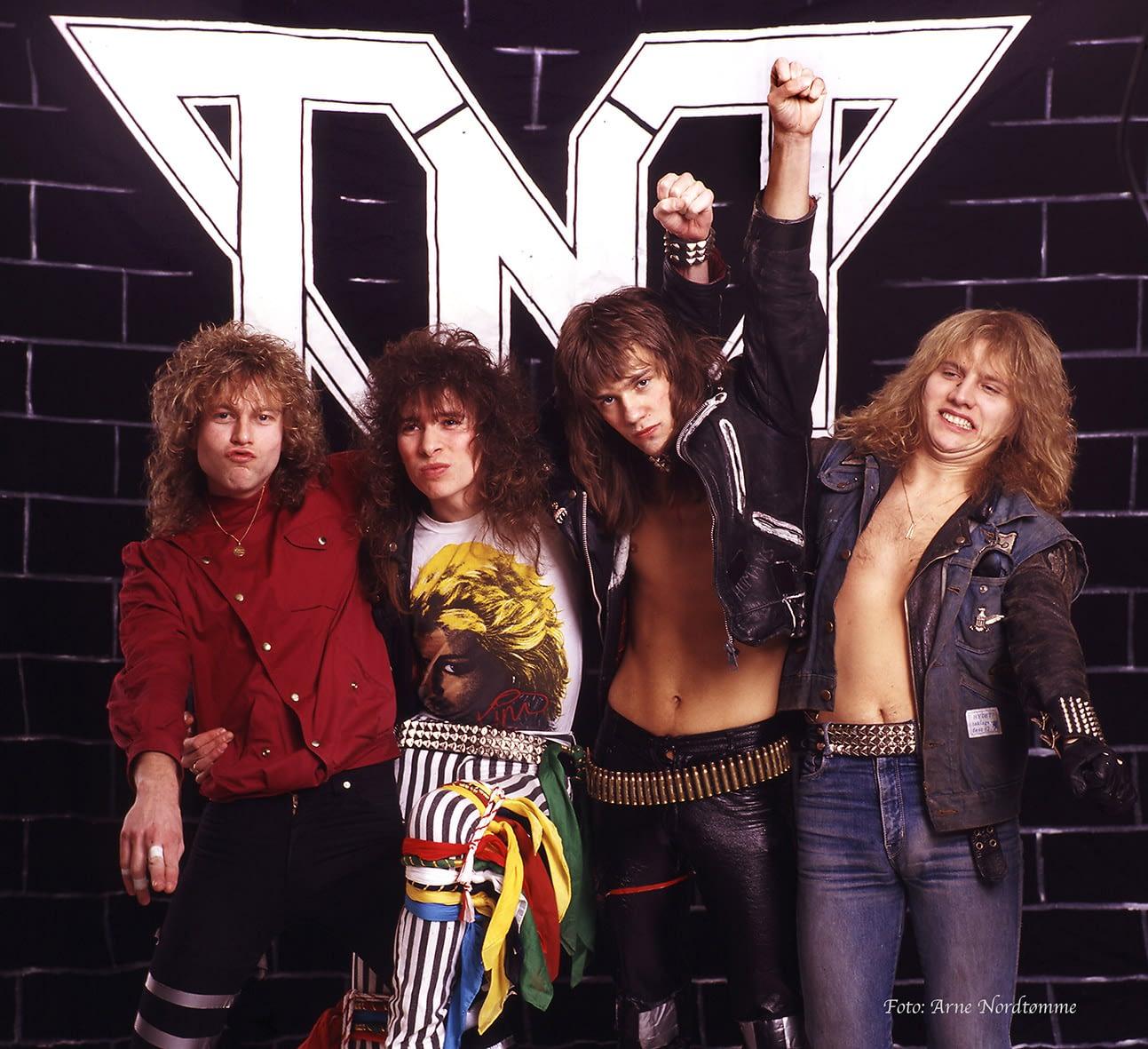 TNT fra v. Steinar Eikum, bass; Dag Ingebrigtsen, vokal; Ronni le Tekrø, guitar og Morten Diesel Dahl, trommer